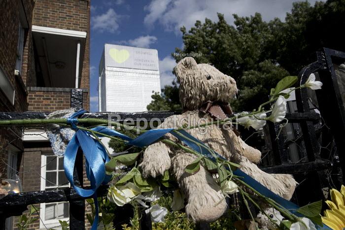 Grenfell Tower fire on the first anniversary, Kensington, London - Jess Hurd - 2018-06-14