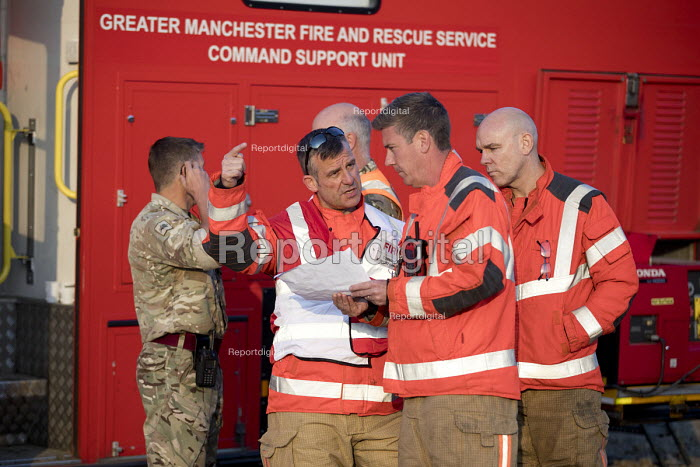 Soldiers and Fire and Rescue deployed to Saddleworth Moor fire, Stalybridge, Derbyshire - Jess Hurd - 2018-06-28