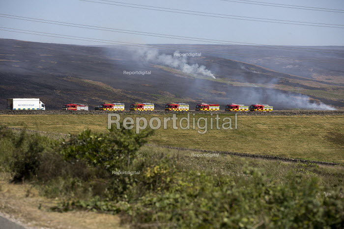 Fire and Rescue deployed to Saddleworth Moor fire, Stalybridge, Derbyshire - Jess Hurd - 2018-06-28