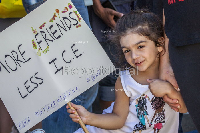 Detroit, Michigan USA: Protest against the separation of children from their parents at the USA Mexican border, Immigration and Customs Enforcement Detention Center. National protests organised by Families Belong Together - David Bacon - 2018-06-30