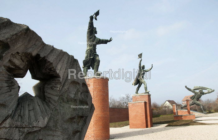 Soviet era statues relocated to Memento Park Museum, Budapest, Hungary - Janina Struk - 2014-01-02