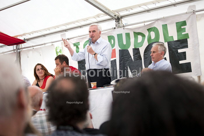 Shen Batmaz speaking with John McDonnell, Peter Hughes, Prof Keith Ewing and Mick Whelan ASLEF at Tolpuddle Martyrs' Festival, Dorset 2018. - Jess Hurd - 2018-07-20