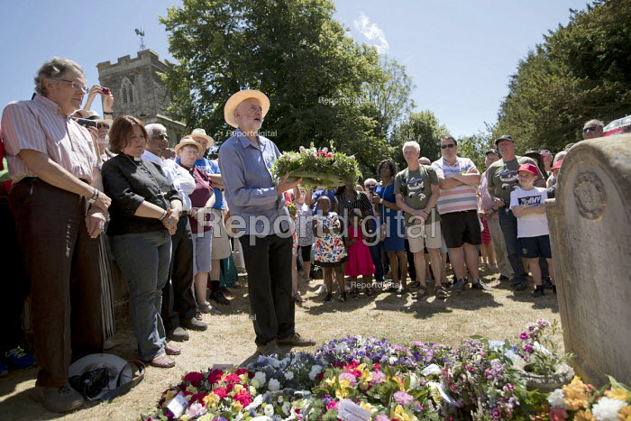 Jeremy Corbyn wreath laying at Tolpuddle Martyrs' Festival, Dorset 2018. - Jess Hurd - 2018-07-22
