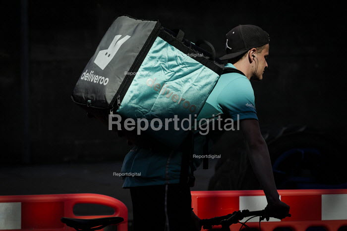 Deliveroo worker on his bicycle, Newcastle Upon Tyne - Mark Pinder - 2018-06-28
