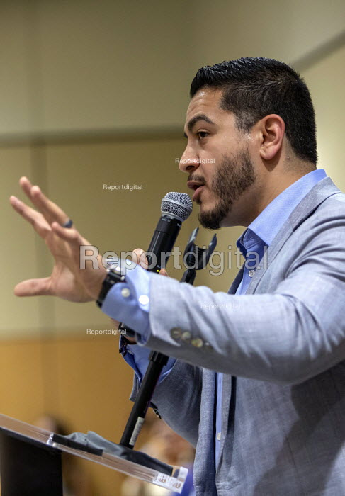 Detroit, Michigan, USA Abdul El-Sayed campaigning for the Democratic nomination for governor of Michigan, Wayne State University. If elected, El-Sayed would be the nation's first Muslim governor. He was born in Michigan to parents who had emigrated from Egypt. - Jim West - 2018-07-28