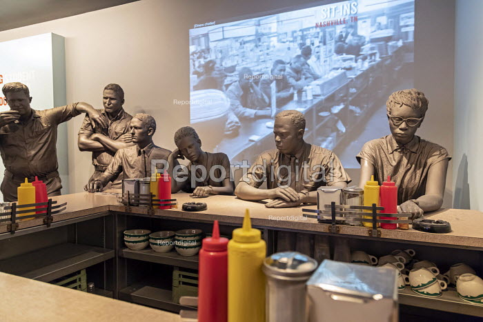 Memphis, Tennessee USA The National Civil Rights Museum at the Lorraine Motel, where Martin Luther King was assassinated in 1968. A lunch counter tells the story of the student sit-ins at segregated lunch counters which began in 1960. - Jim West - 2018-04-25