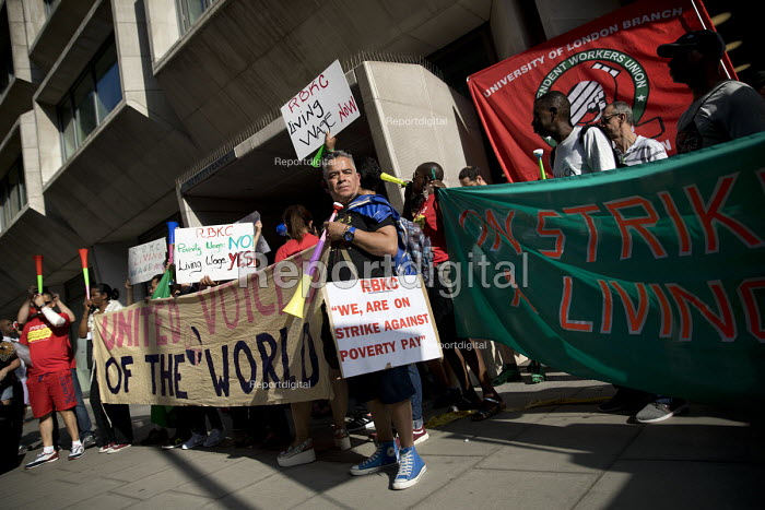 Cleaners in UVW union striking over low pay and unfair working conditions, Ministry of Justice, Westminster, London - Jess Hurd - 2018-08-07