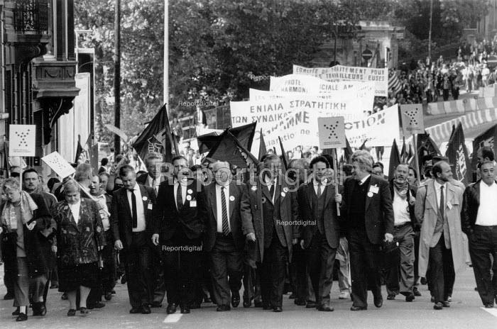 ETUC rally for an EU Social Charter of workers rights, Brussels 1989 Norman Willis TUC (C) - John Harris - 1989-10-18