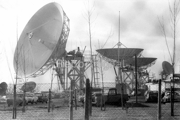 Satellite dishes GCHQ Cheltenham 1984 as Trade union membership is banned - John Harris - 1984-02-02