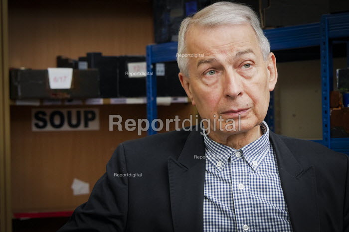 Frank Field MP visiting New Hope Food Bank, Rekendyke, South Tyneside 2014 as a member of the All Party Parliamentary Inquiry into Hunger and Food Poverty - Mark Pinder - 2014-07-04