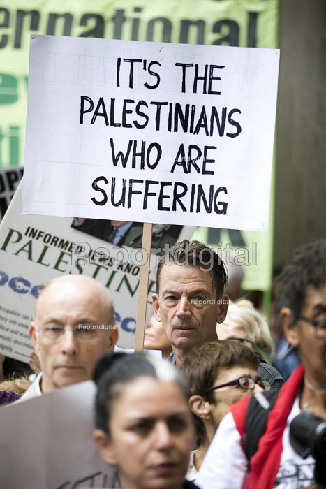 Protest outside Labour Party NEC meeting against the IHRA Anti Semitism definition, Labour HQ, London - Jess Hurd - 2018-09-04