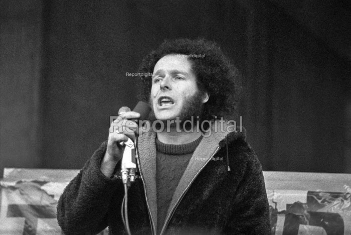 Northern Ireland civil rights leader Eamonn McCann speaking, London, 1976 meeting to commemorate Bloody Sunday - Peter Arkell - 1976-02-01