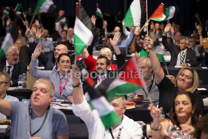 Support Palestine flags, TUC conference 2018 Manchester - John Harris - 2018-09-12
