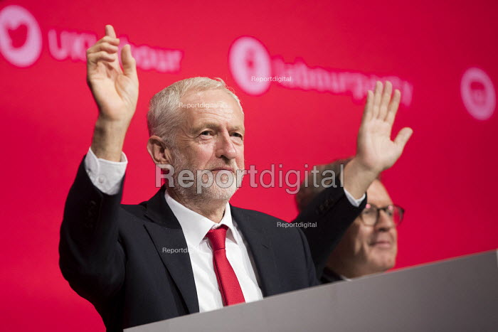 Jeremy Corbyn and Tom Watson voting on democracy, Labour Party Conference, Liverpool, 2018 - Jess Hurd - 2018-09-23