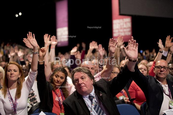 Tony Burke, Steve Turner, UNITE delegation voting Labour Party Conference, Liverpool, 2018 - Jess Hurd - 2018-09-24