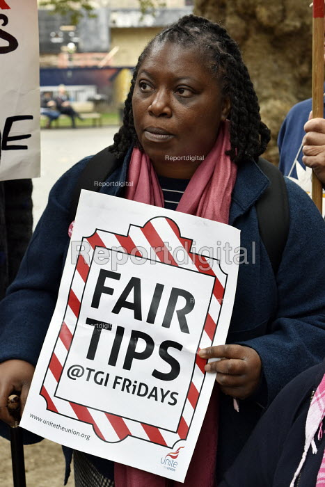 Fair Tips TGI Fridays, McDonald's, UberEats and Wetherspoon workers strike over low pay. Rally Leicester Square, London - Stefano Cagnoni - 2018-10-04