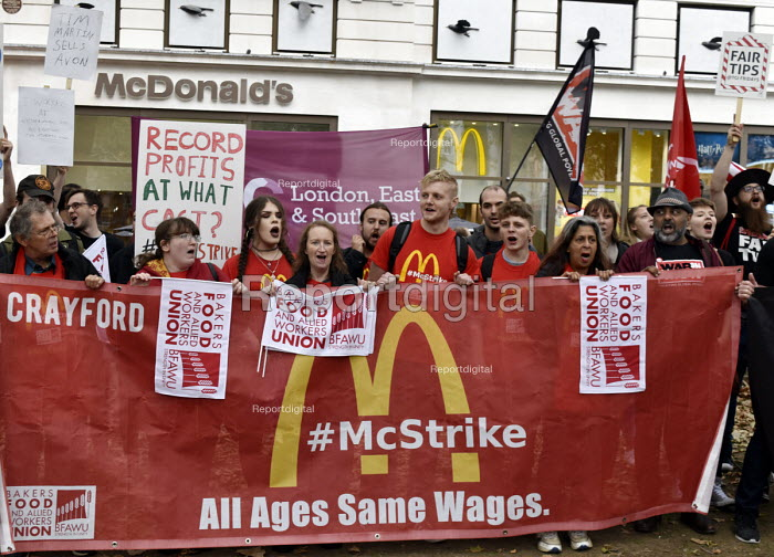 McDonald's, UberEats and Wetherspoon workers strike over low pay. Rally Leicester Square, London - Stefano Cagnoni - 2018-10-04