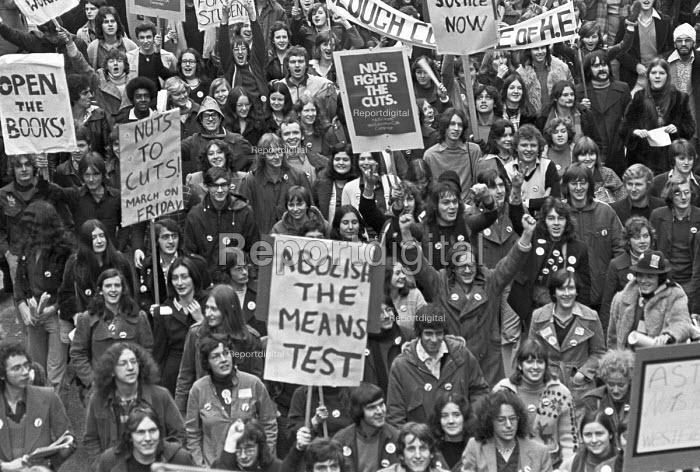 Student protest against the education cuts and the means test for grants, London - NLA - 1976-02-27