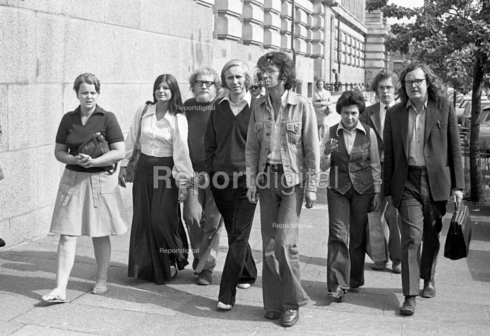 William Tyndale School teachers at ILEA, London 1976 after the method of radical child centred learning at their school was stopped. Several of the senior teachers were dismissed. - NLA - 1976-07-21