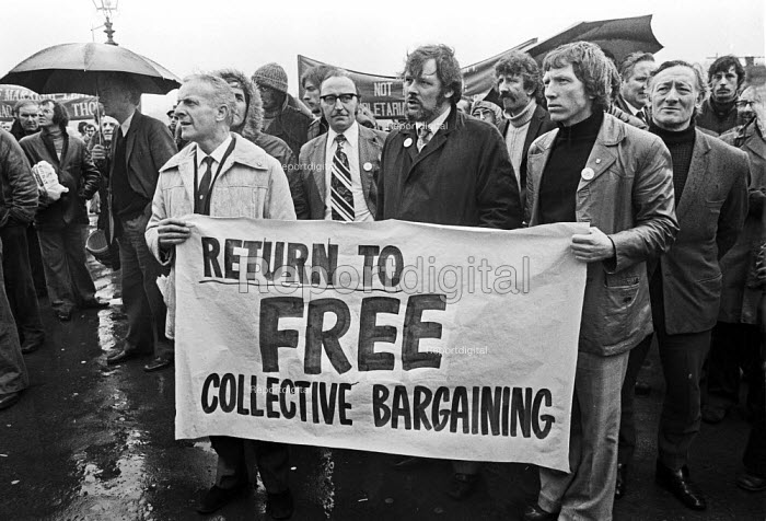 Day of action against cuts and wage freezes, London 1977 Return to Free Collective Bargaining - NLA - 1977-04-20