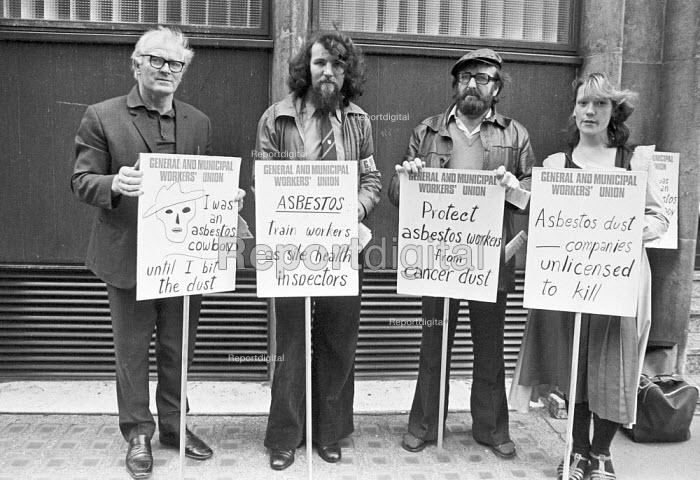 Asbestos lobby by GMWU, London 1977 - NLA - 1977-06-27