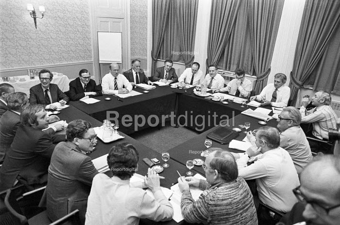 National Economic Development Council (NEDC) meeting, London 1978. It was an economic planning forum set up in 1962 to bring together management, trades unions and government in an attempt to address UK's relative economic decline - NLA - 1978-10-09