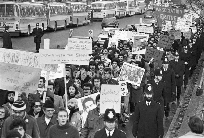 Iranians protest against the Shah of Iran and the UK support for the regime, London 1978 - NLA - 1978-12-09