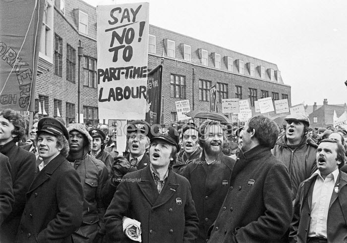 Post Office workers lobby their union (UPW) against casualisation, suspicious of a sell-out, London 1979 - NLA - 1979-03-29