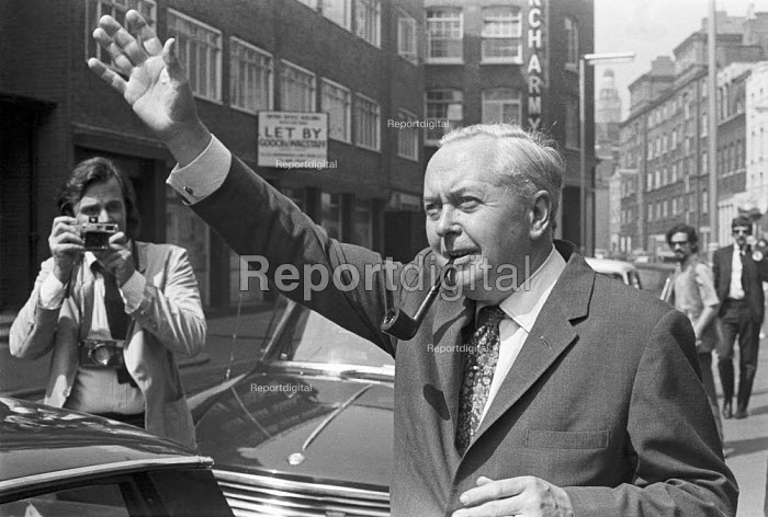 Prime Minister Harold Wilson campaigning in 1970 general election. - NLA - 1970-06-08