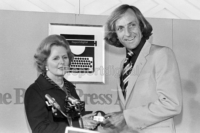 Journalist of the Year 1980 John Pilger of the Daily Mirror receiving award from Margaret Thatcher, British Press Awards - NLA - 1980-04-16