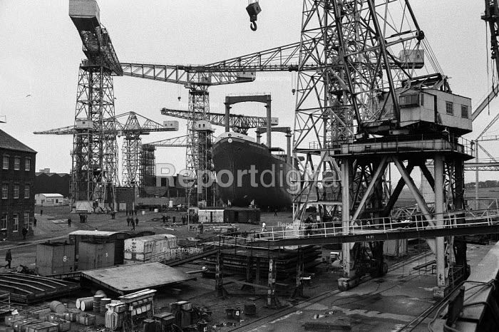 Work in, Upper Clyde Shipyards, Glasgow 1971 - Martin Mayer - 1971-06-23