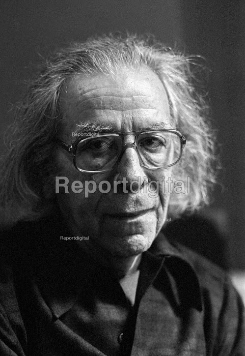 Leo Hurwitz American documentary filmmaker, London 1981; Member of Workers Film and Photo League; founder of Nykino; founder of Frontier Films; director of 'Native Land'; director of 'Heart of Spain'; director of 'Strange Victory'. He was blacklisted in USA McCarthy era; directed TV coverage of Adolf Eichman trial - Martin Mayer - 1981-03-31