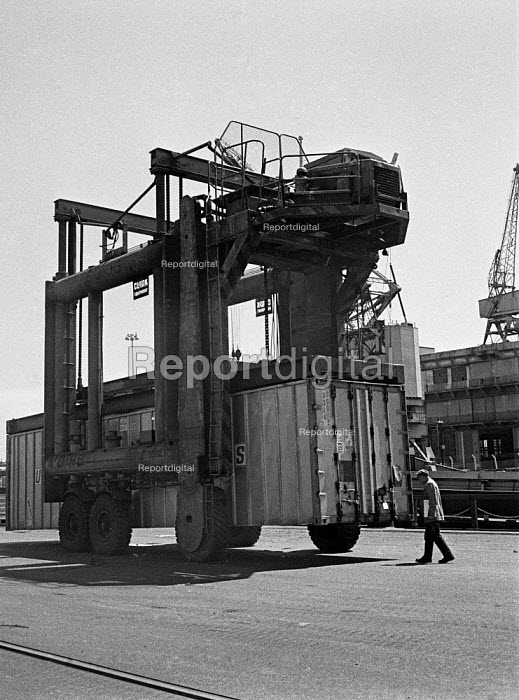 Containerisation comes to Port of Liverpool 1970. A container is moved into place for the crane - Martin Mayer - 1970-07-06