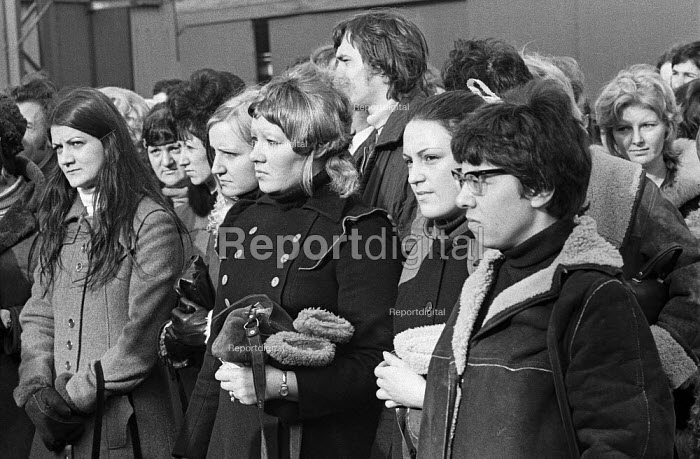 Women workers, mass meeting, strike and occupation of Coles Cranes, Sunderland 1973 against closure - Martin Mayer - 1973-03-20
