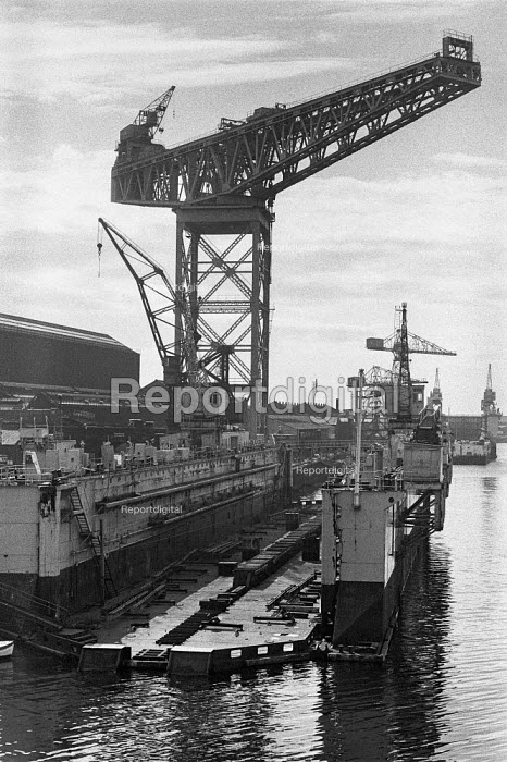 Vickers shipyard, Barrow-in-Furness, 1972 - Peter Arkell - 1972-06-09