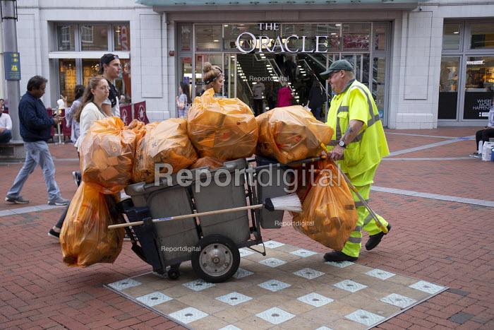 Shopping Centre, Reading, Berkshire - John Harris - 2018-10-13