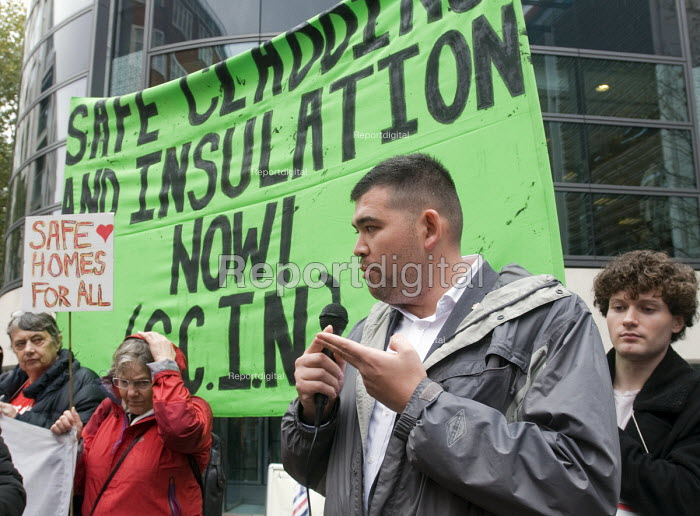 Dave Shek FBU speaking at Safe Cladding and Insulation Now protest, MHCLG, London. Following the Grenfell tragedy, protest demanding safe cladding for housing and public sector buildings and proper insulation from the cold for tenants - Stefano Cagnoni - 2018-10-17