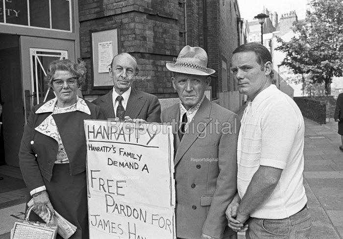 Hanratty family campaigning for a pardon for James Hanratty, 1976 convicted and hung for the A6 murder and rape. DNA analysis subsequently found that his conviction was probably correct. He was one of the last to be hung before capital punishment was abolished - Peter Arkell - 1976-05-23