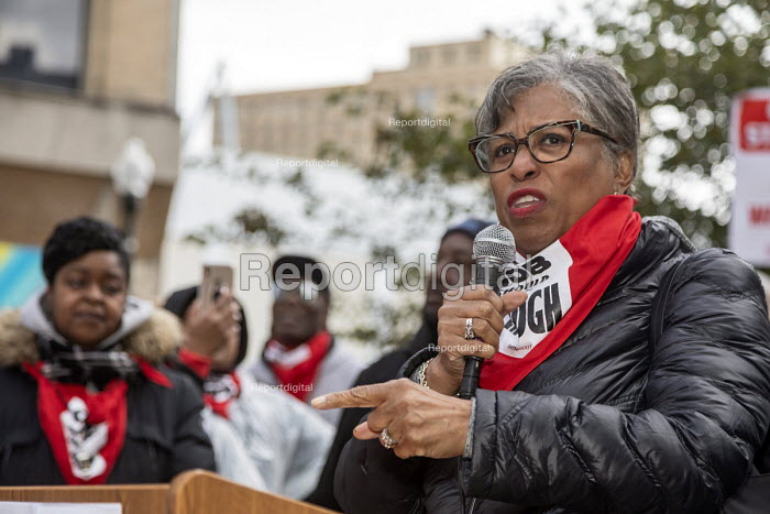 Detroit, Michigan USA Marriott Hotel workers strike against low pay Westin Book Cadillac hotel. Workers want better wages, so they do not have to work more than one job. Congresswoman Brenda Lawrence speaking at a rally - Jim West - 2018-10-20
