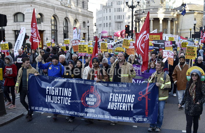Stand Up To Racism protest London, FBU members - Stefano Cagnoni - 2018-11-17