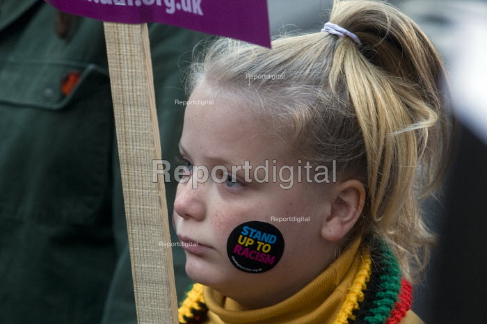 Stand Up To Racism protest London. Young girl on the demonstration - Stefano Cagnoni - 2018-11-17