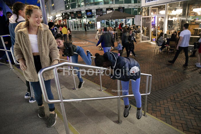 Children playing Shopping Centre, Reading, Berkshire - John Harris - 2018-10-13