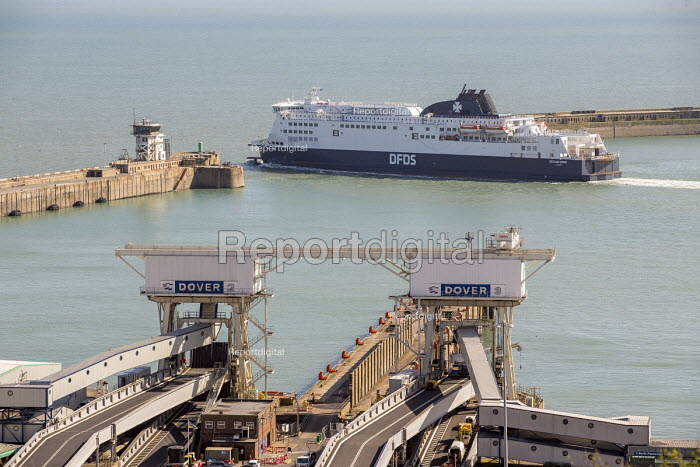 DFDS ferry departing from the Port of Dover - Paul Box - 2017-04-06