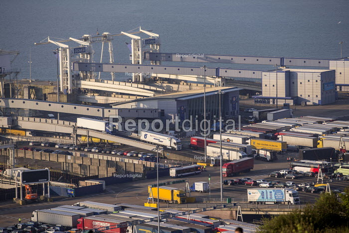 Lorries disembarking from P&O ferry, The Port of Dover - Paul Box - 2017-04-07