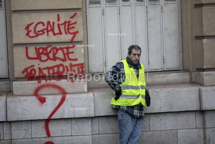 Paris, France Yellow Vest movement protest, Champs Elysees area, graffiti Liberty, Equality, Fraternity? - Jess Hurd - 2018-12-08