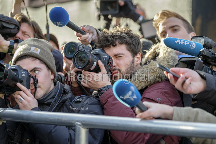 News photographers, radio and TV journalists working on College Green, opposite the Houses of Parliament, London, on the day Conservative MPs launched a leadership challenge - Philip Wolmuth - 2018-12-12