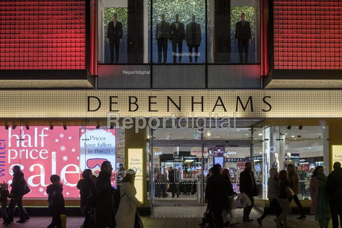 Debenhams end of year sales, Oxford Street, London - Philip Wolmuth - 2018-12-30