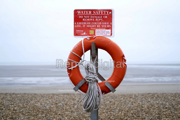 Lifebuoy Lydd on Sea, Dungeness, where refugees came ashore from France in a small dingy, Kent - Jess Hurd - 2019-01-01