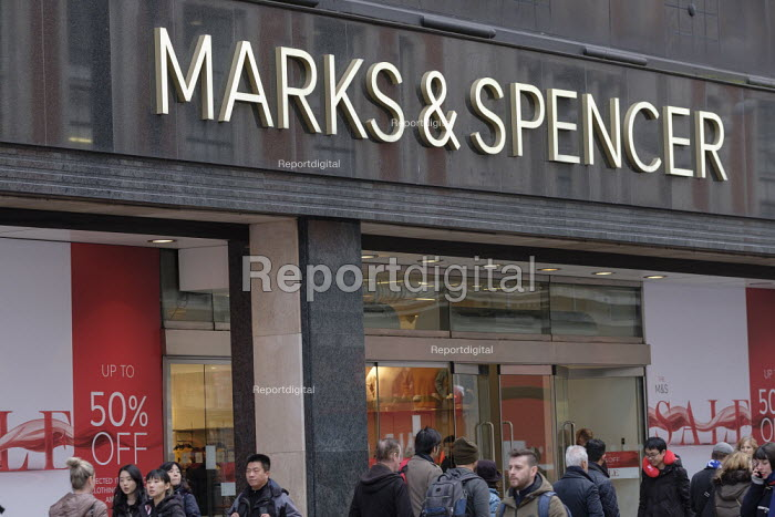 Marks & Spencer end of year sales, Oxford Street, London - Philip Wolmuth - 2019-01-02