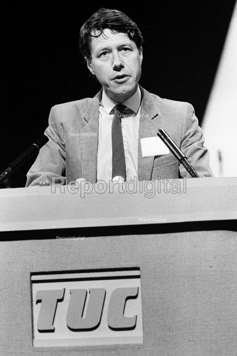 John Ward FDA Gen Sec speaking, TUC Blackpool 1985 - John Smith - 1985-09-04